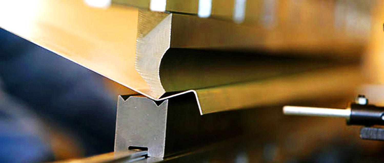 Изготовление гнутых швеллеров из нержавеющий и черной стали до 3 метров.